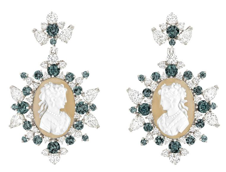 Dior-COFFRET-DE-VICTOIRE-EARRINGS