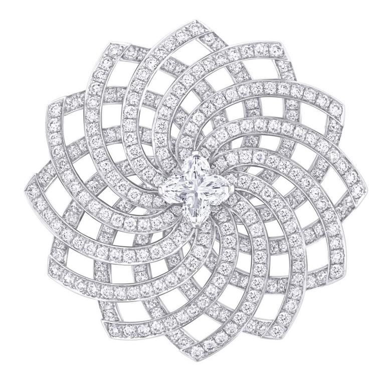 Louis-Vuitton_Haute-Joaillerie_VDLT_Monogram-Infini-Diamants---2