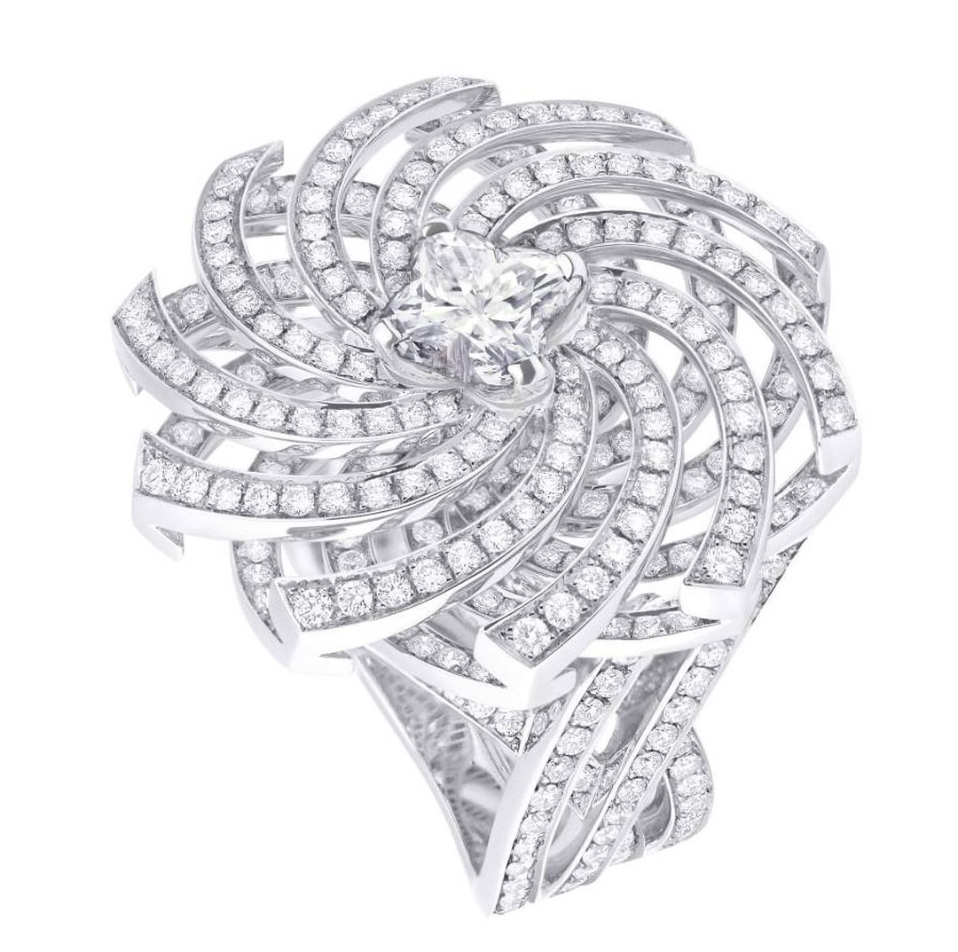 Louis-Vuitton_Haute-Joaillerie_VDLT_Monogram-Infini-Diamants---5