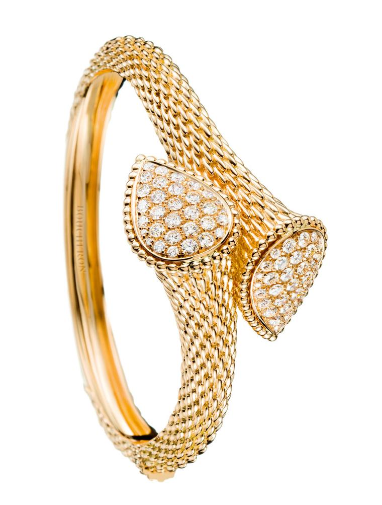 Serpent-Boheme-bangle-in-yellow-gold-set-with-diamonds