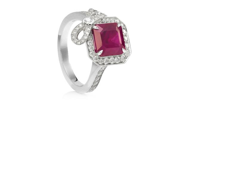 Boodles-Rosette-Ring-Zoom