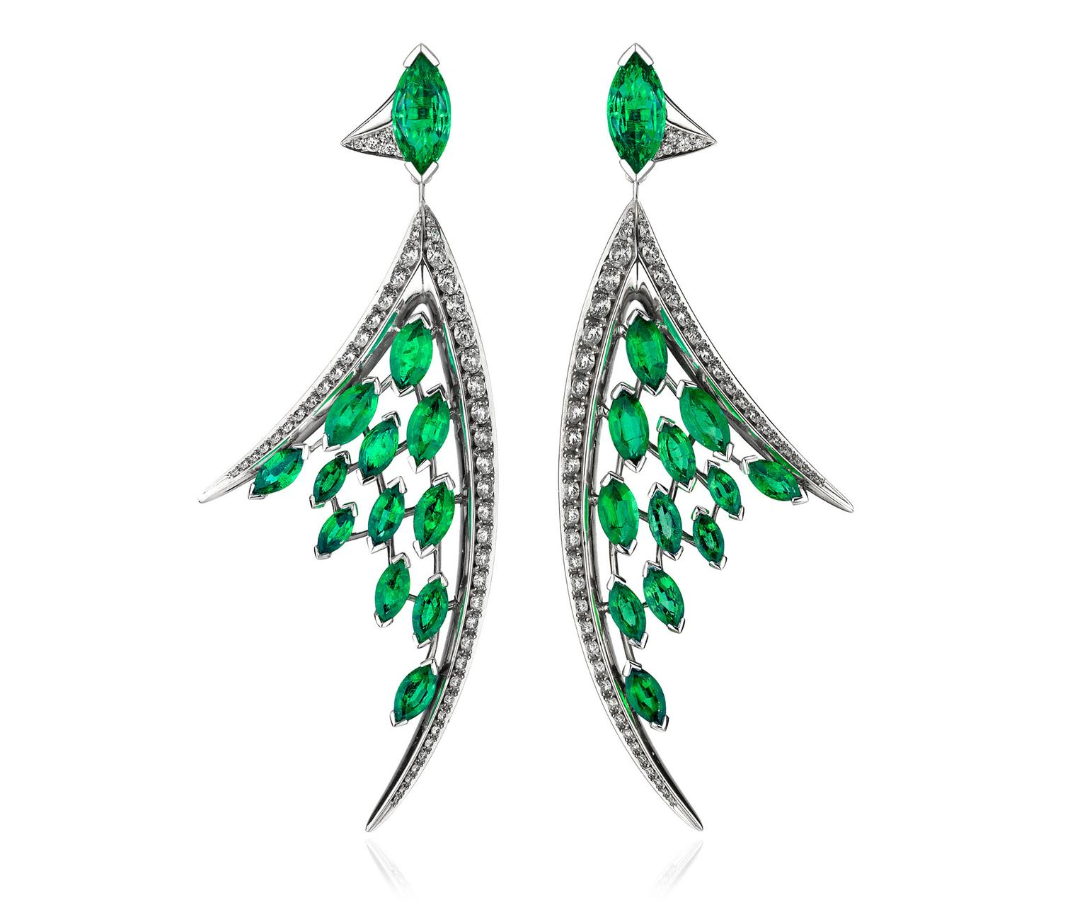 Shaun-Leane-Aerial-Emerald-Earrings-zoom