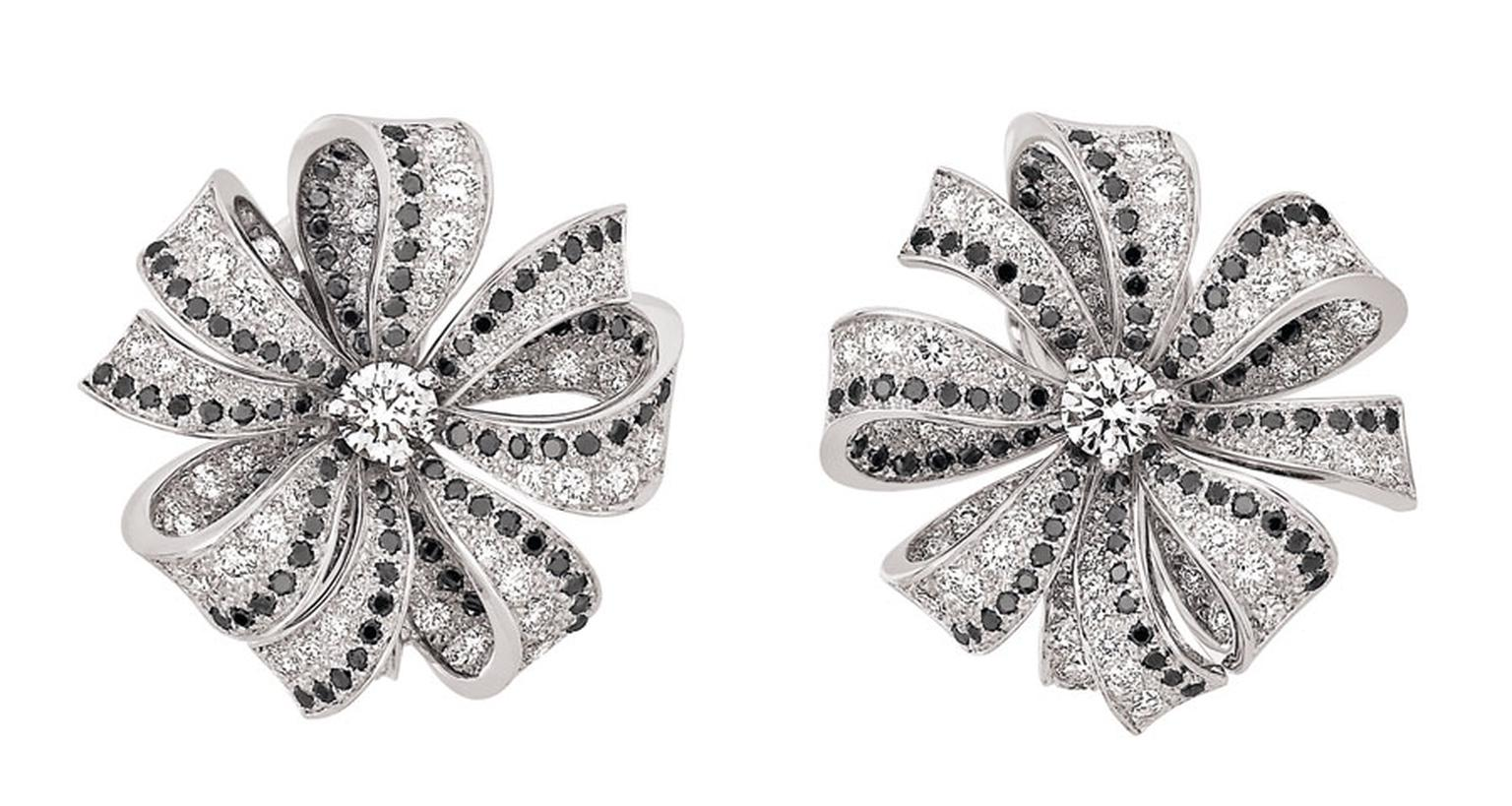 Chanel Boucles de Came´lia earrings in white gold, white diamonds and black diamonds