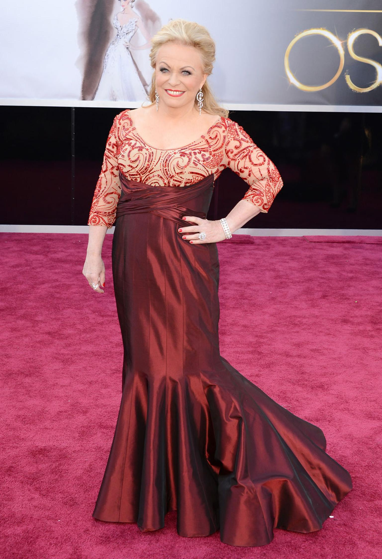 Jacki-Weaver-in-Forevermark-Diamonds-at-the-Oscars
