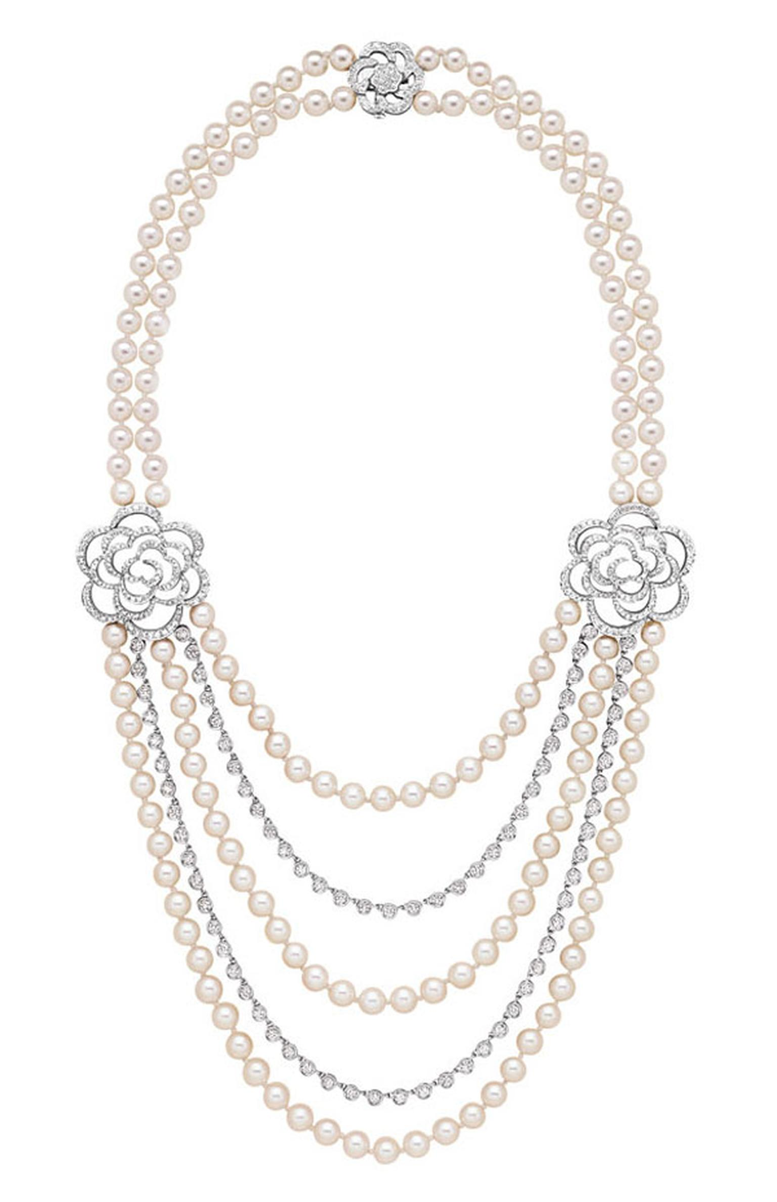 Chanel Came´lia Brode´ sautoir in white gold set with diamonds and Akoya pearls.