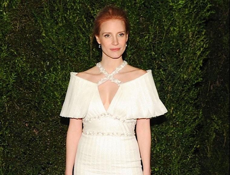 Jessica-Chastain-Chanel-and-Charles-Finch-Oscars-Dinner-23-fevrier-2013