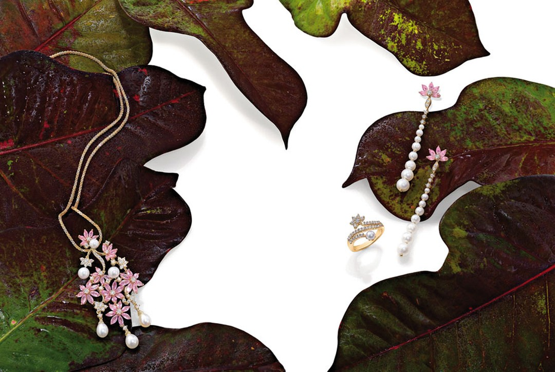 Ganjam-03-Pendant-ring-and-earrings-Le-Jardin-collection-Ganjam