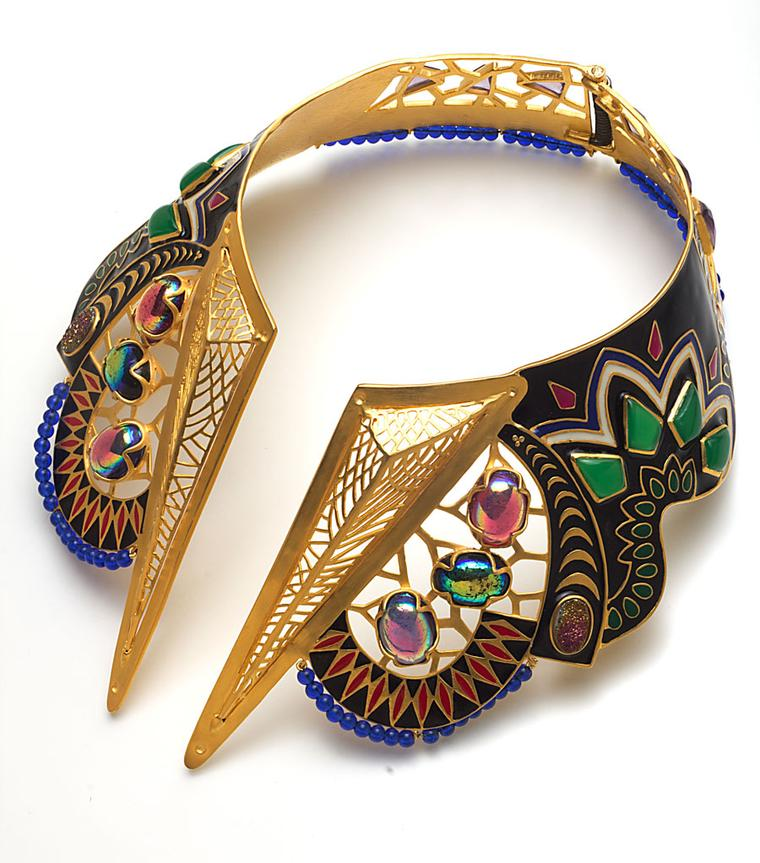 Amrapali-20-A_MA-Product-Shot-jewelled-necklace