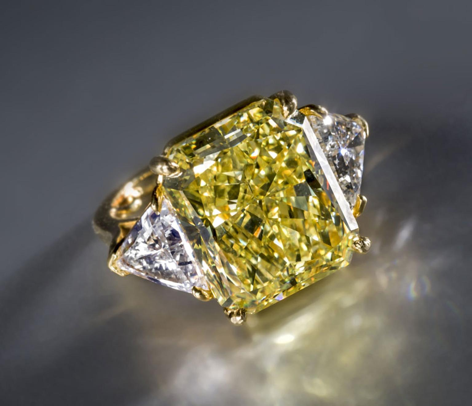 Bonhams-A-fancy-colored-diamond-and-diamond-ring-Bulgari