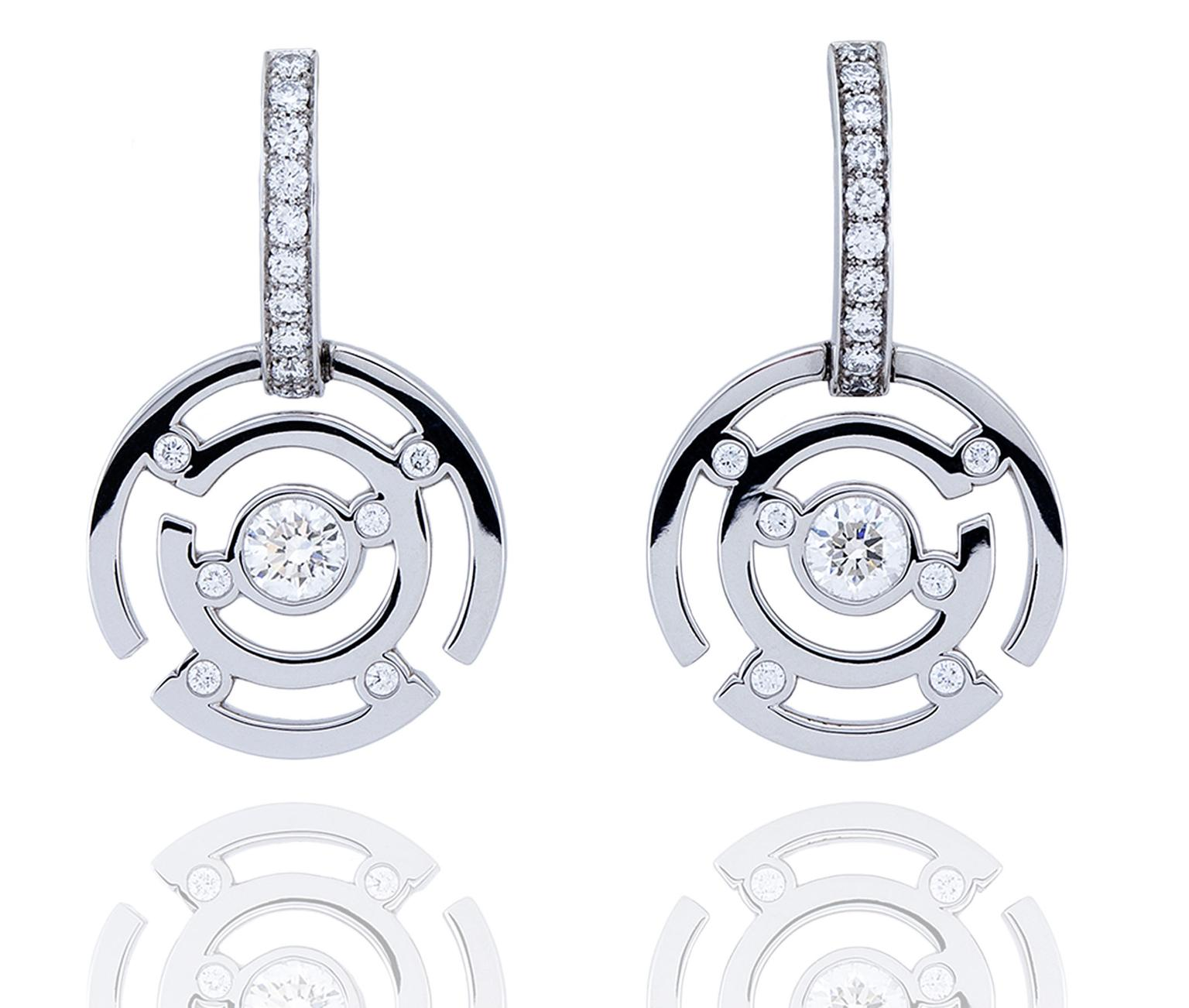 Boodles-Maze-WG-Earrings-zoom