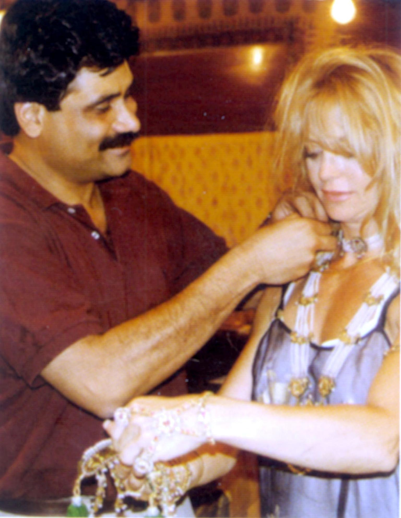 Gem-Palace-Sanjay-Kasliwal-with-Goldie-Jean-Hawn-