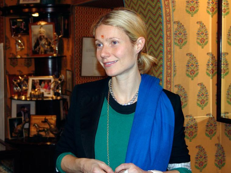 Gem-Palace-Gwyneth-Paltrow-at-the-Gem-Palace-wearing-necklace-from-Gem-