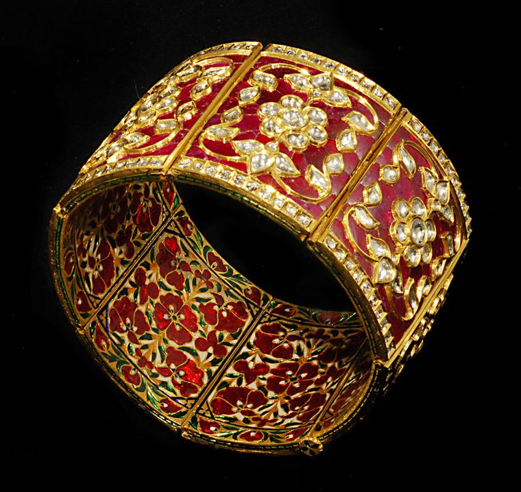 Gem-Palace-Enamelled-Bracelet