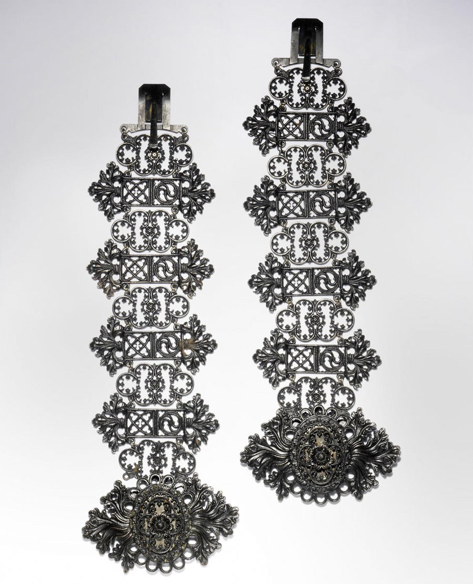 Bonhams-A-pair-of-Berlin-ironwork-bracelets-by-Geiss-circa-1820.jpg