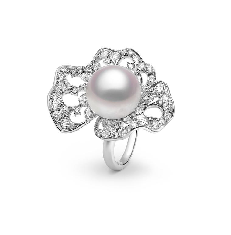 Contemporary pearl jewellery for the modern bride