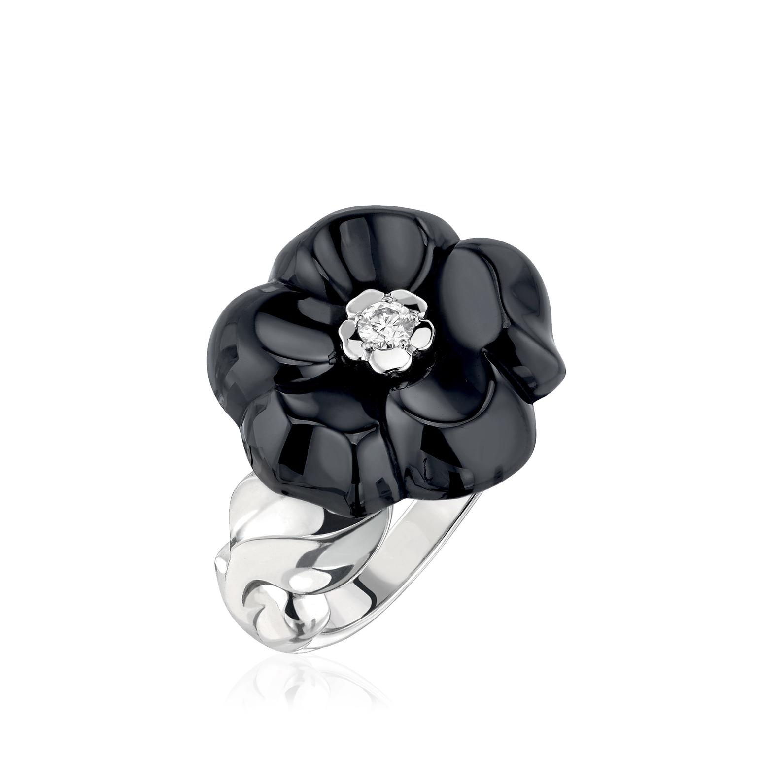 Chanel-Camelia-Galbe-ring-black-ceramic-zoom