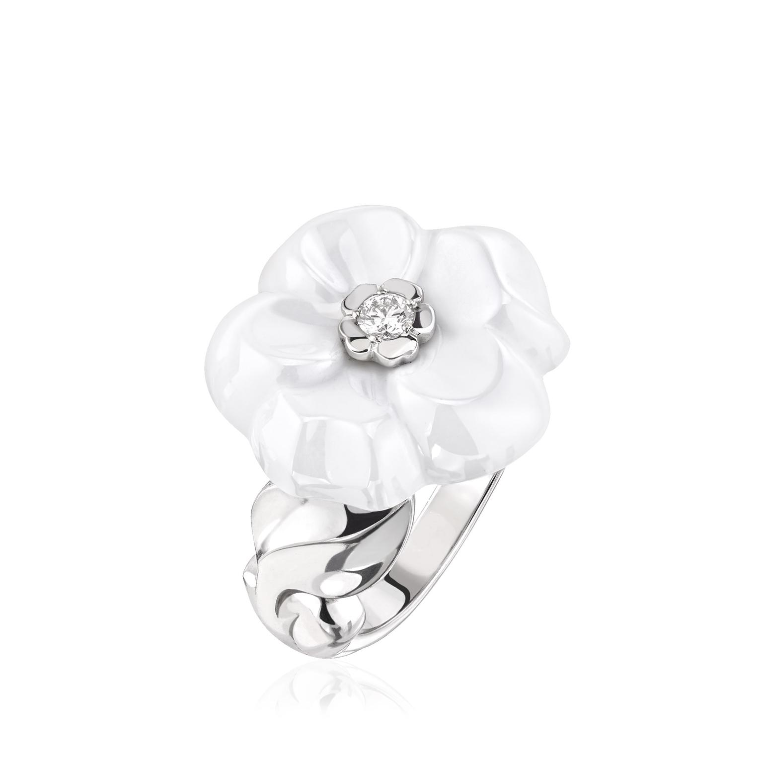 Chanel-Camelia-Galbe-ring-white-ceramic-zoom