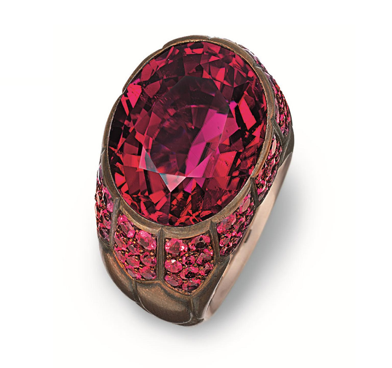 MPL-2013-Hemmerle-Brown-patinated-copper-white-gold-Rubellite-spinels-ring