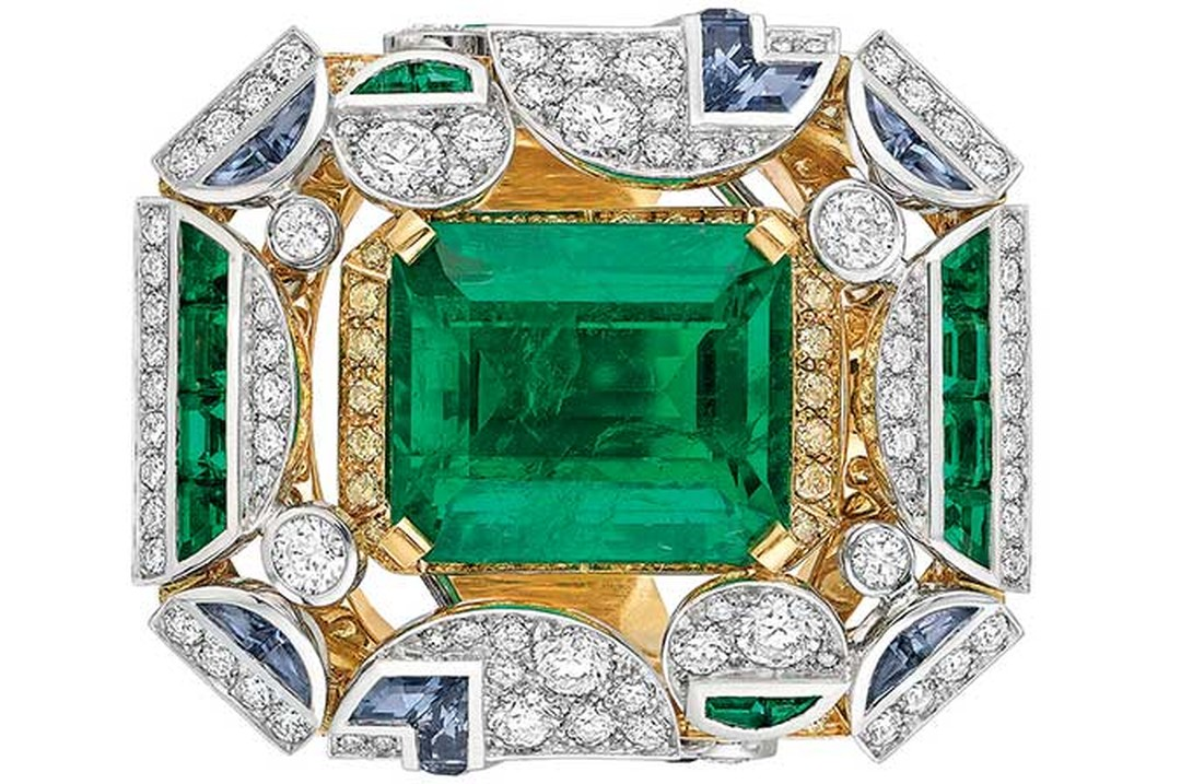 Chanel emerald ring
