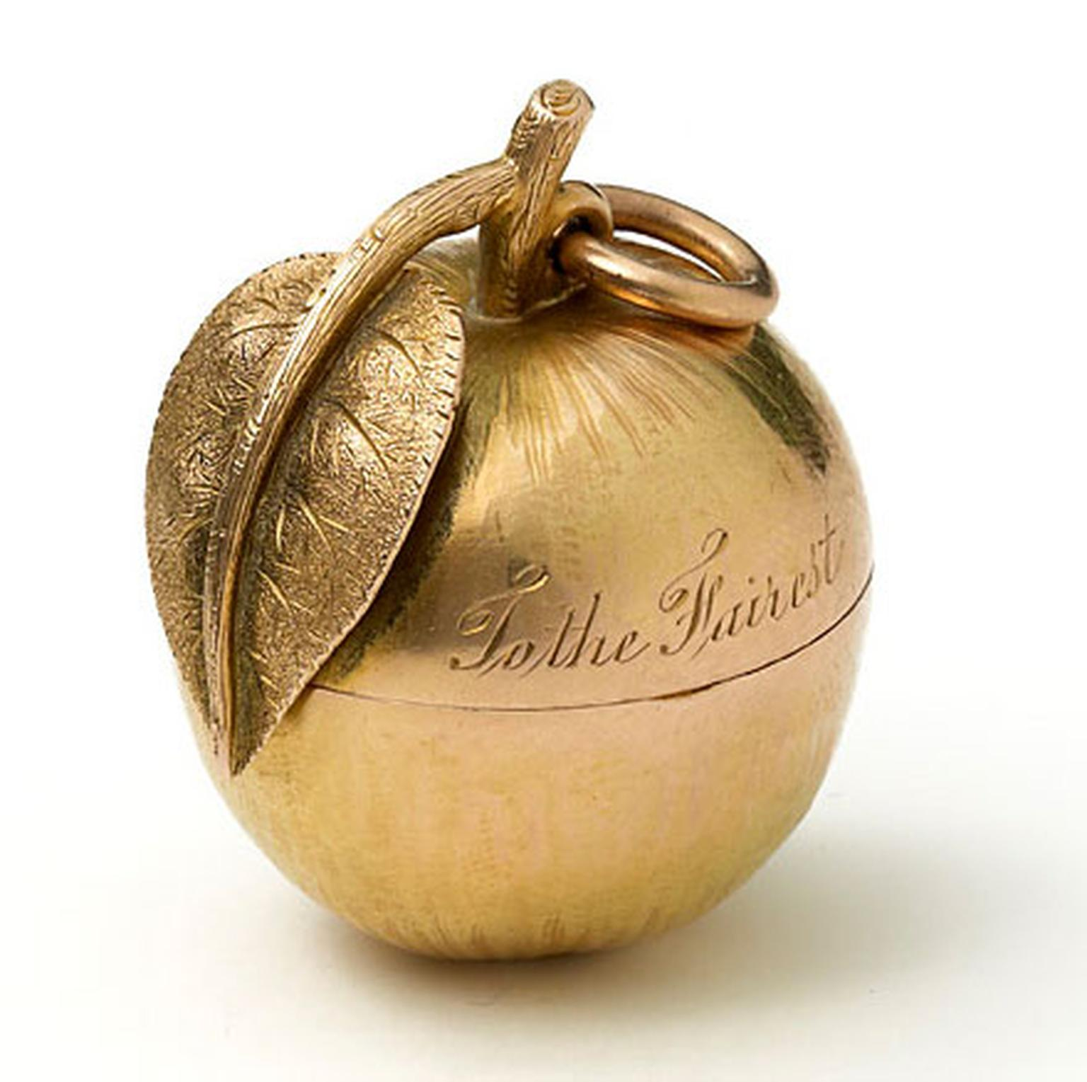 MPL-2013-Wartski-Aphrodites-Apple-An-antique-gold-vinaigrette.jpg