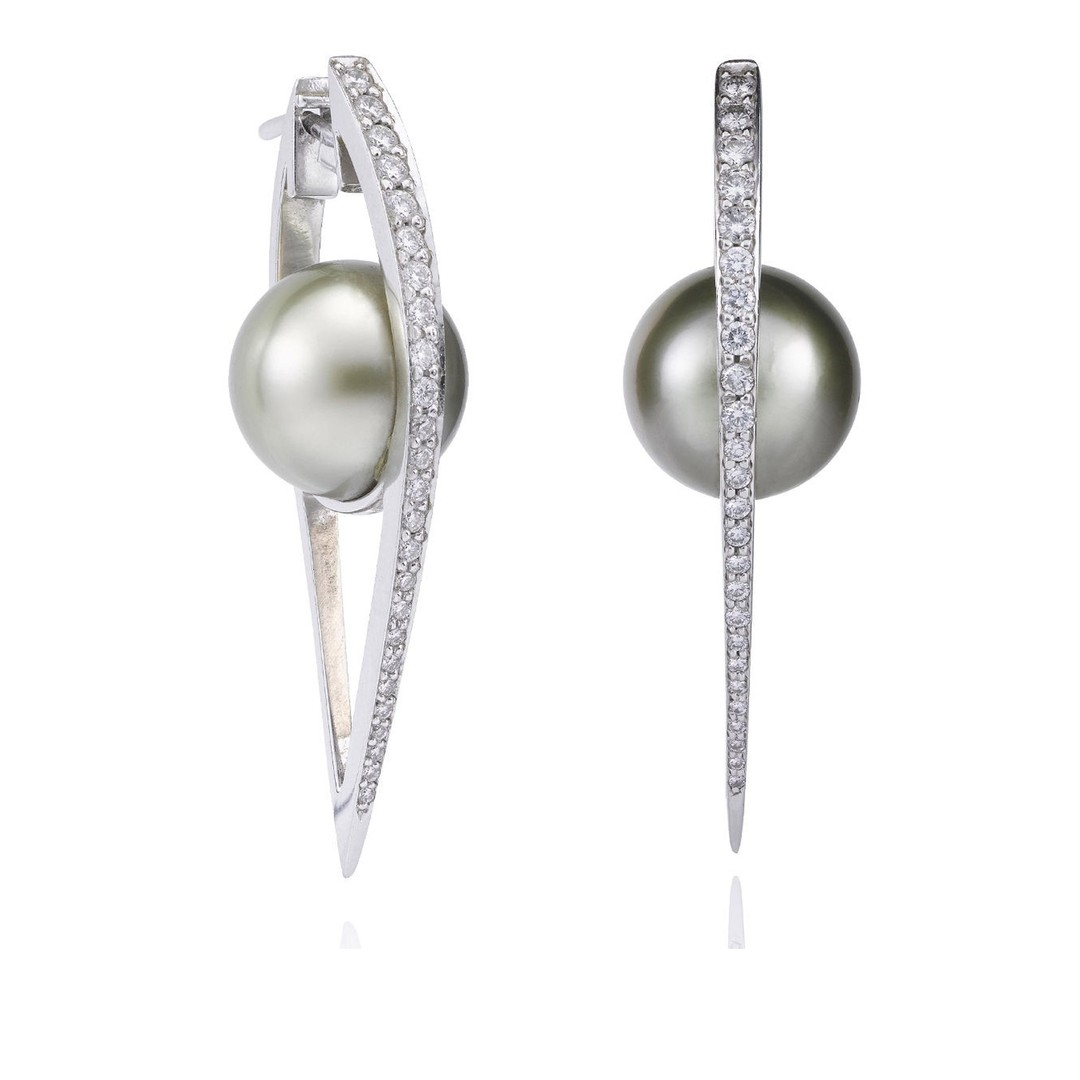 Boodles Pearl Earrings Zoom