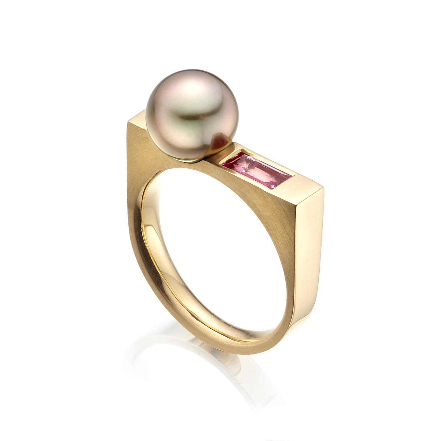 Winterson Pearl Ring Zoom
