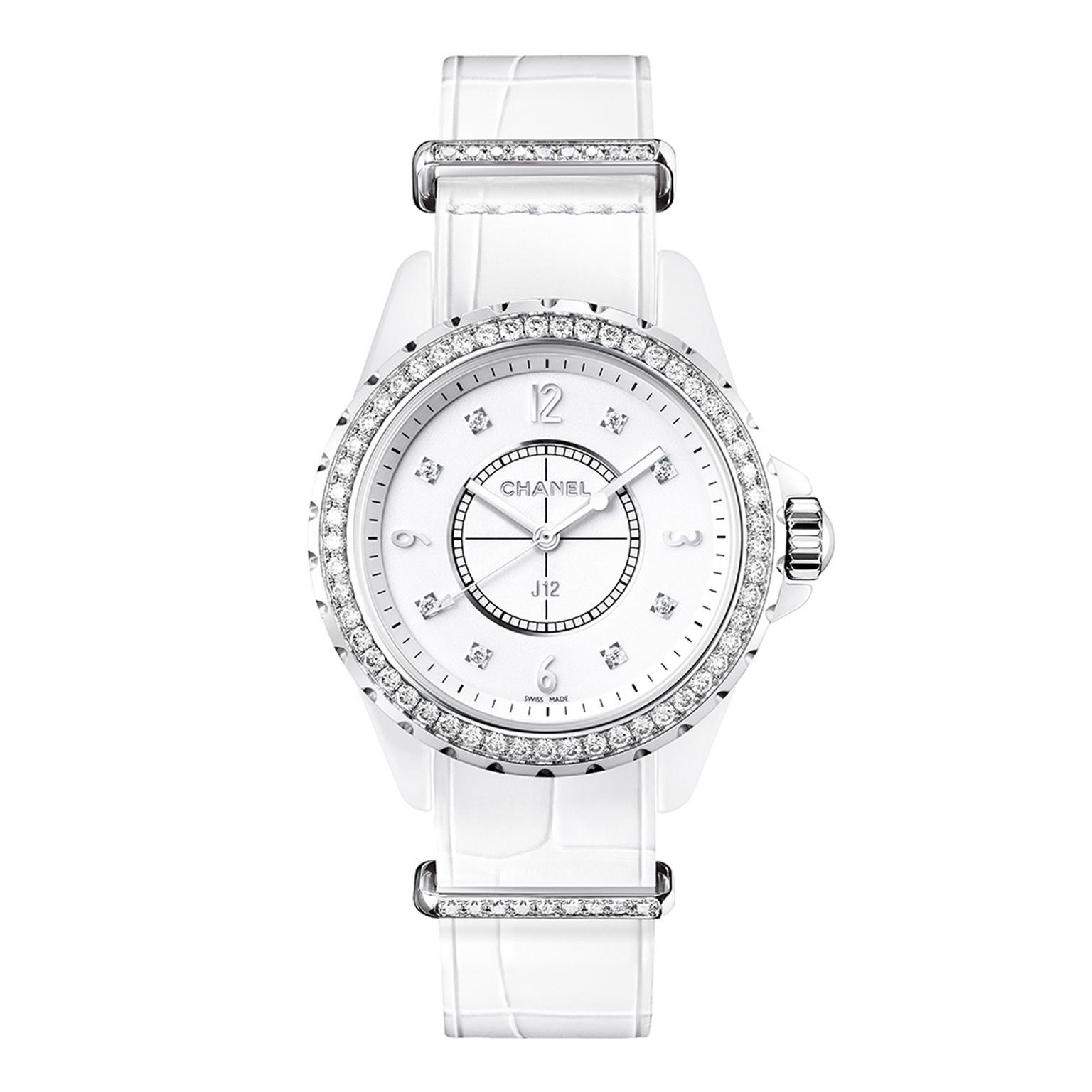 Chanel J12-G10 White Zoom