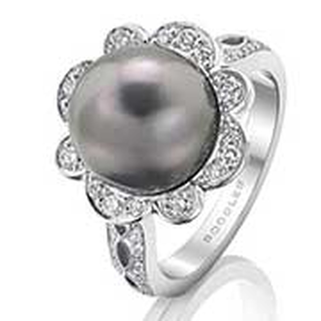Boodles Pearl Ring Mothers Day NL