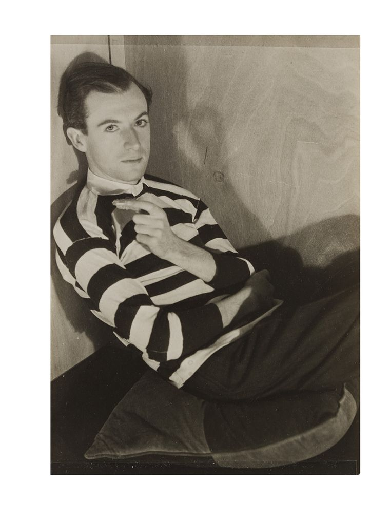 Title: Cecil Beaton   Artist: Curtis Moffat  Date: c.1930  Credit line: copyright V&A images