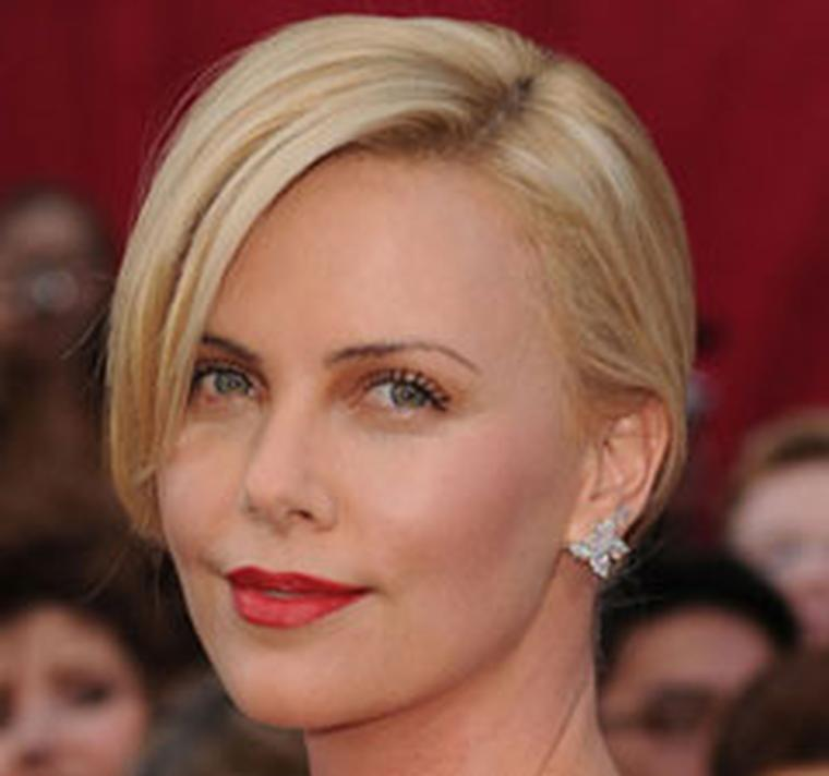 Charlize-Theron wearing Harry Winston-HP-box-4