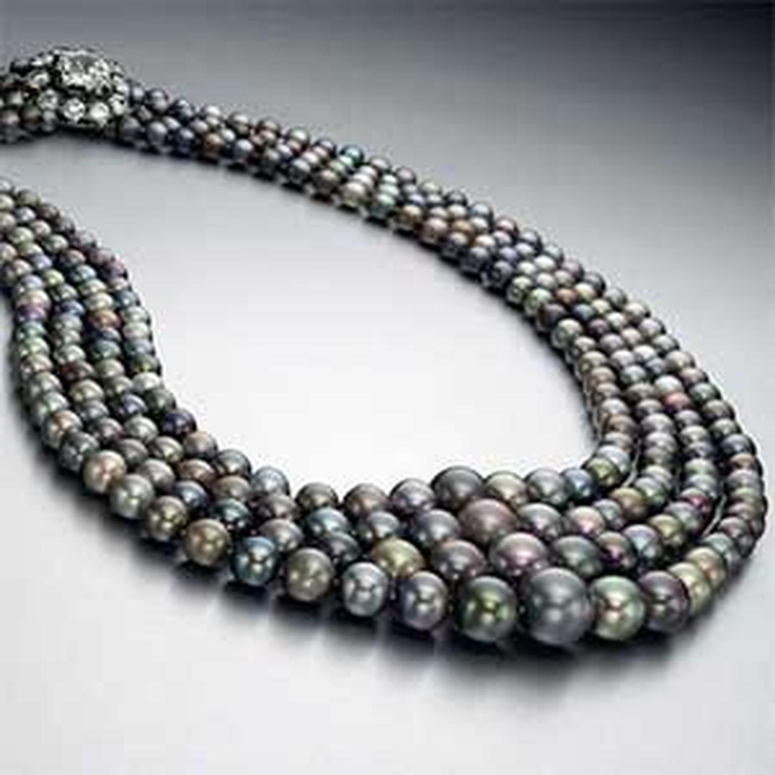 Record -breaking -pearl -necklace -Christies