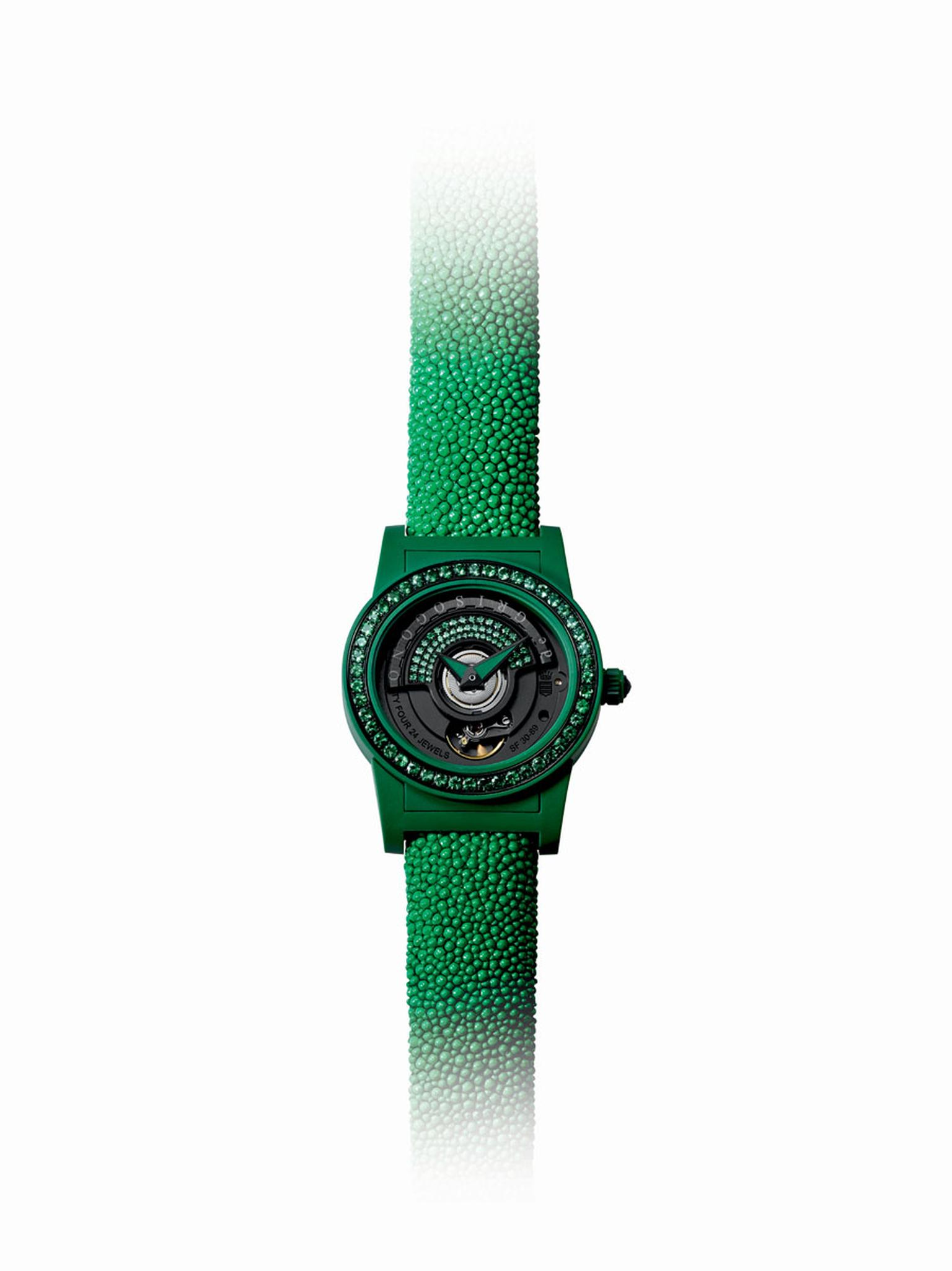 de GRISOGONO's 'Tondo by Night' watch, in forest green.