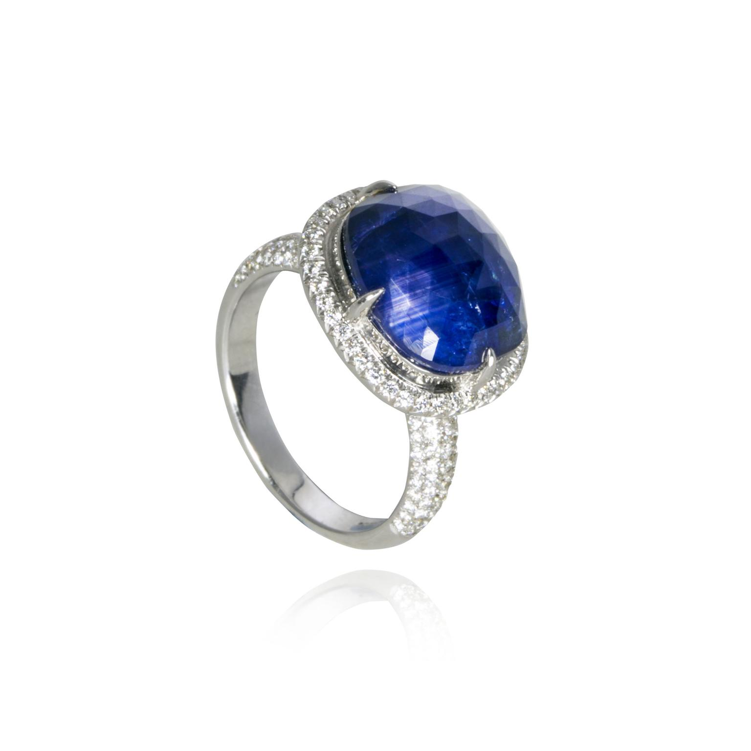 Amrapali sapphire ring_zoom