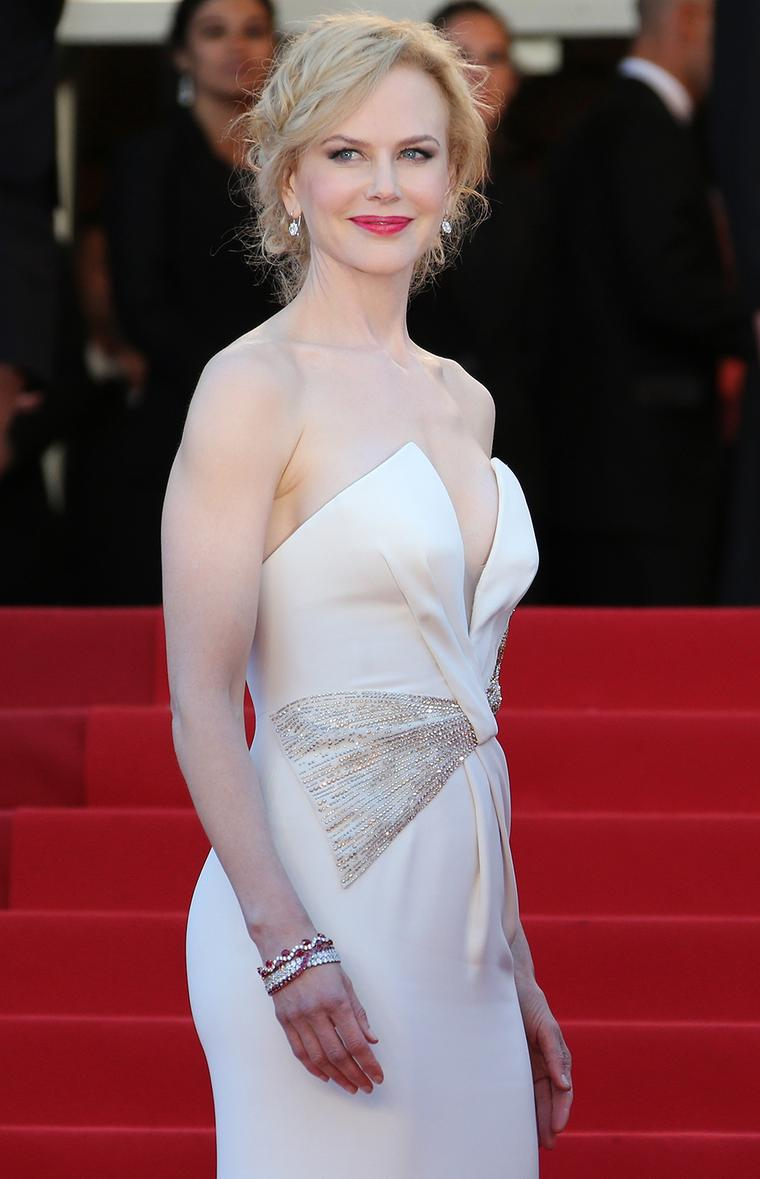 Nicole Kidman wore Belle earrings and two ruby and diamond bracelets by Harry Winston at the closing ceremony for the 66th Cannes Film Festival in 2013