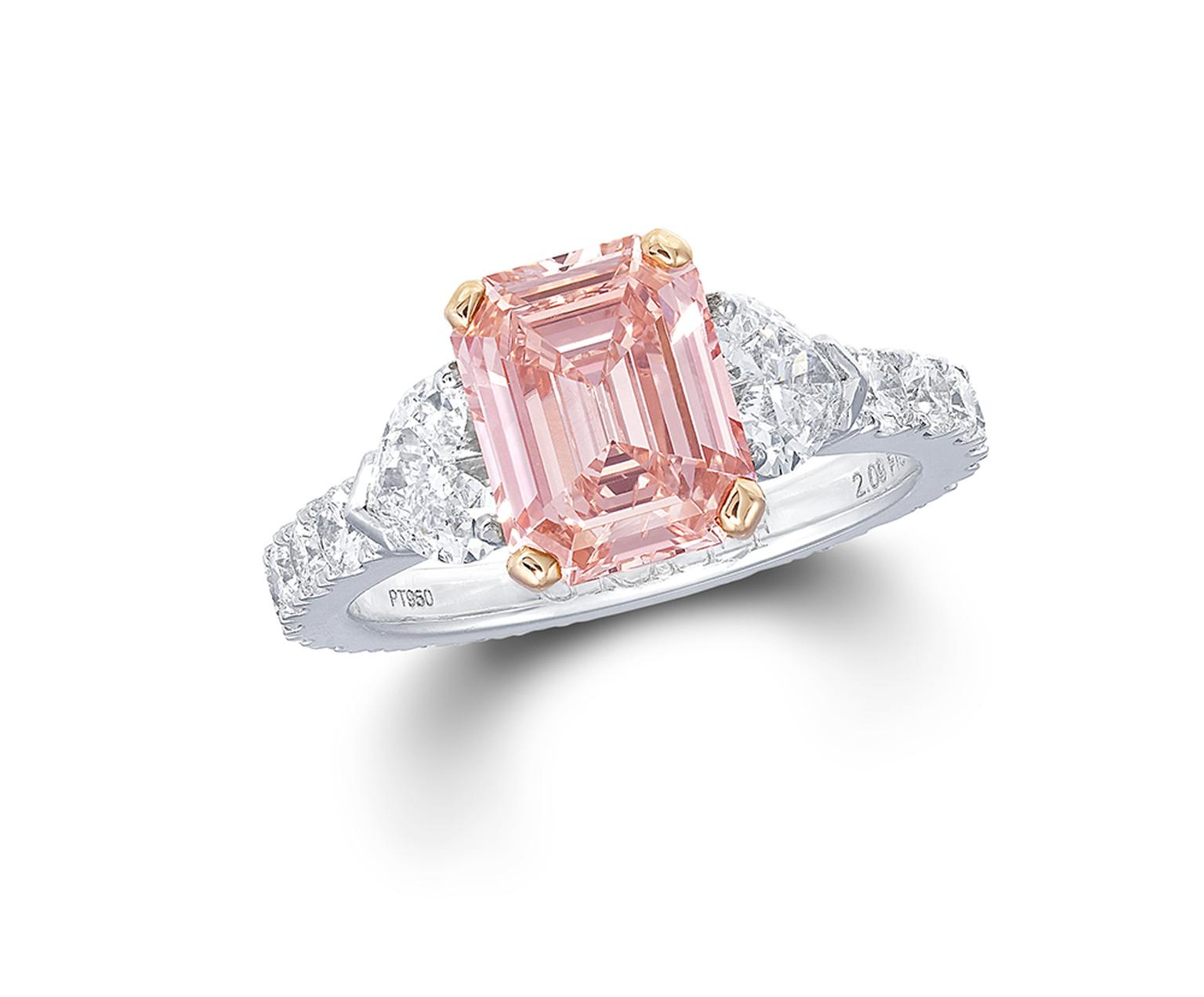 Graffpinkdiamondsolitaire.jpg