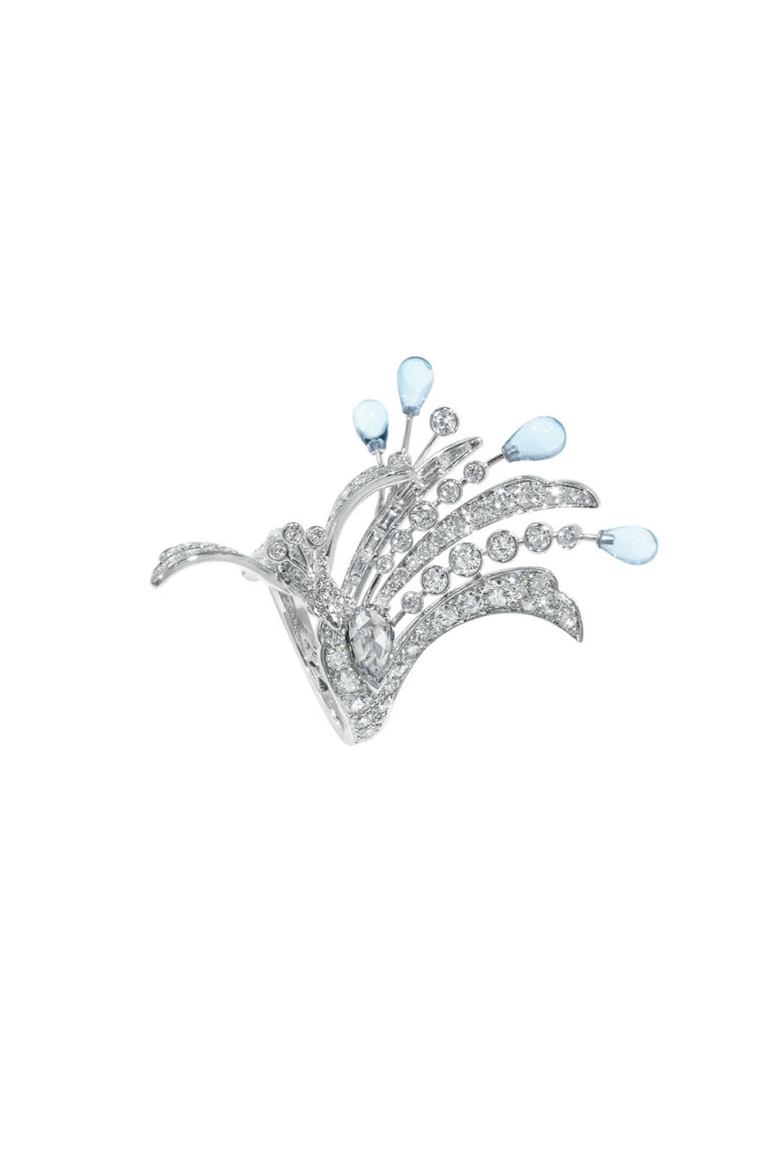 Boucheron Hotel de la Lumière Paon de Lune ring in white gold, set with aquamarine and white diamonds.