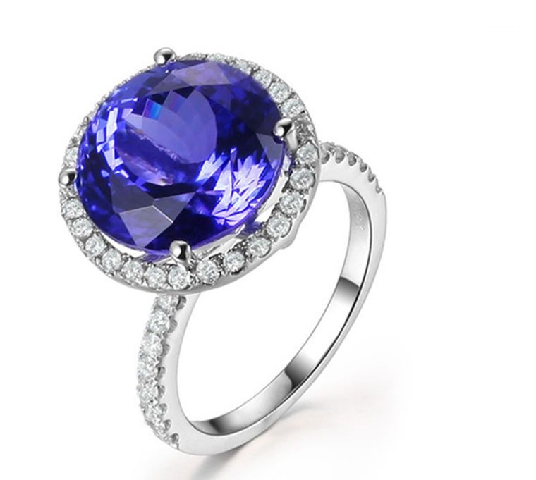 TanzaniteOne African Night ring with a violet-toned tanzanite surrounded by a pavé of diamonds.
