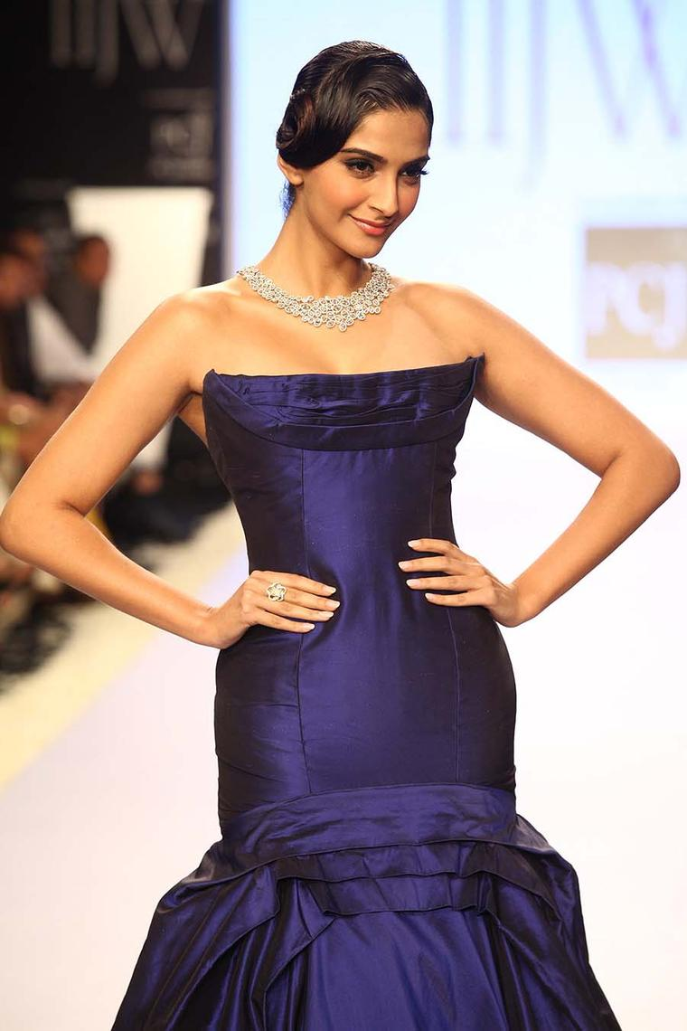 Celebrity spotting in Mumbai at India International Jewellery Week