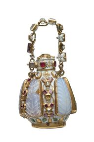 Cheapside Hoard bejewelled scent bottle inspires a 17th century perfume