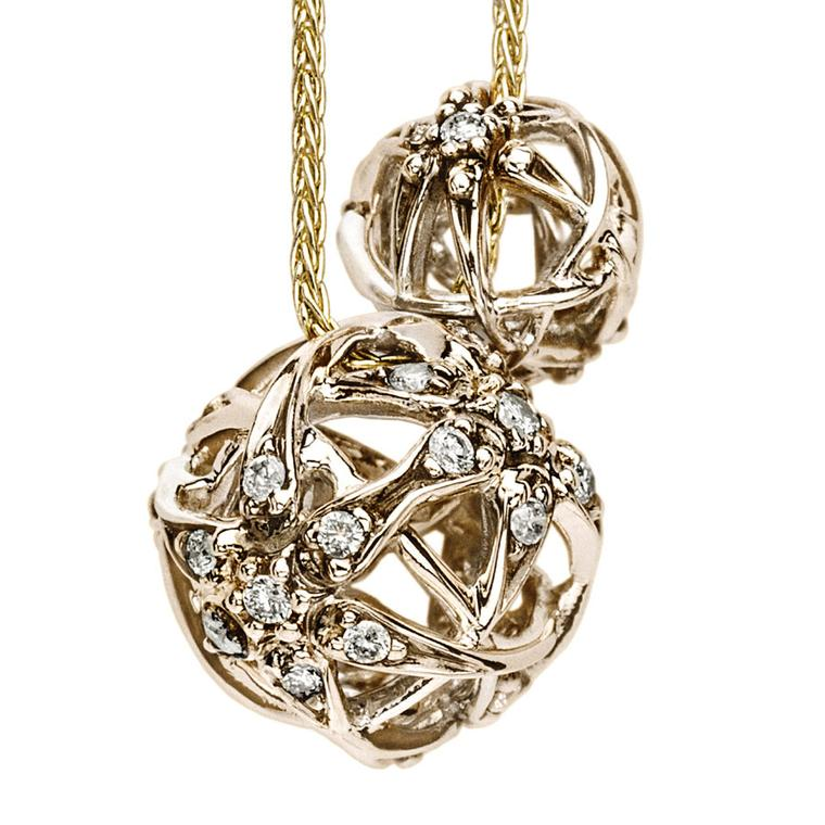 Hstern Copernicus-pendant---Noble-Gold-and-diamonds-spheres-in-yellow-gold-chains