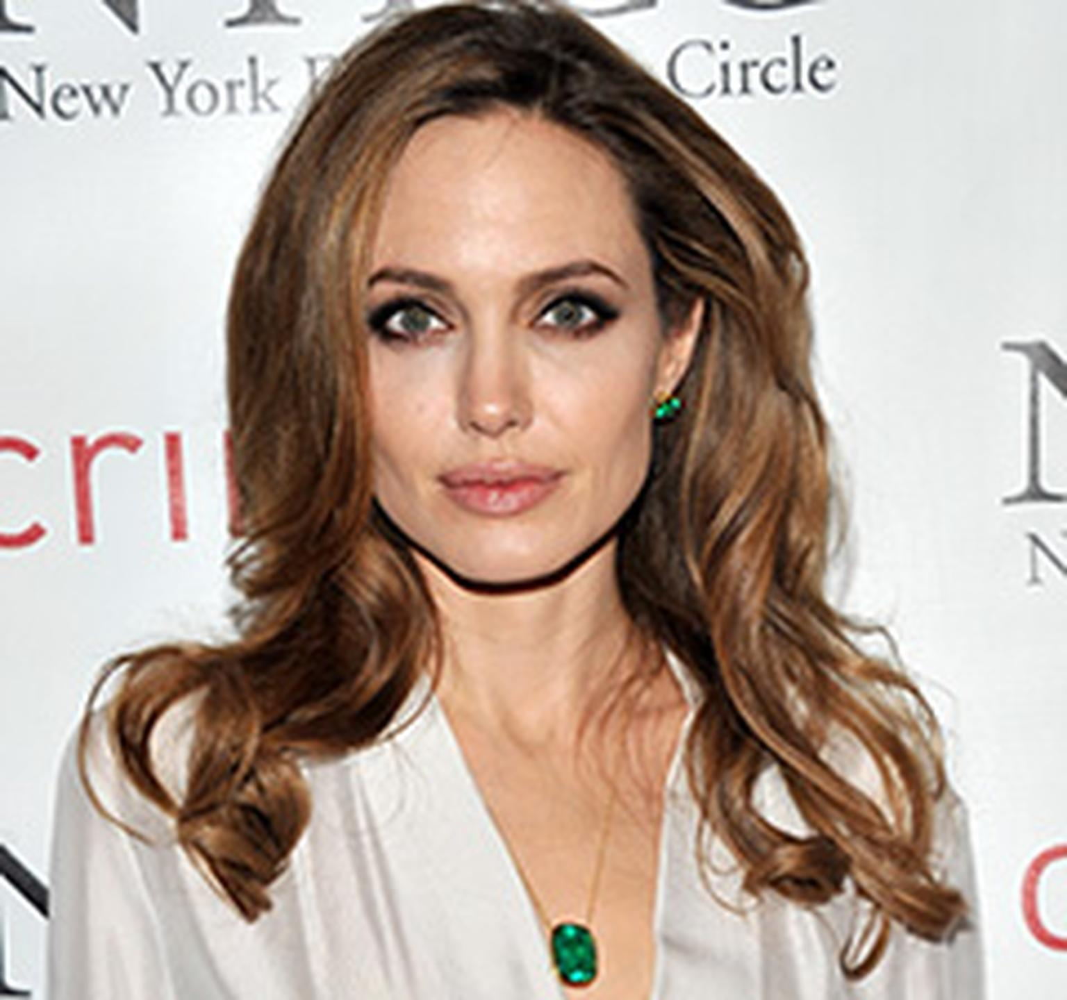Angelina Jolie wears emeralds
