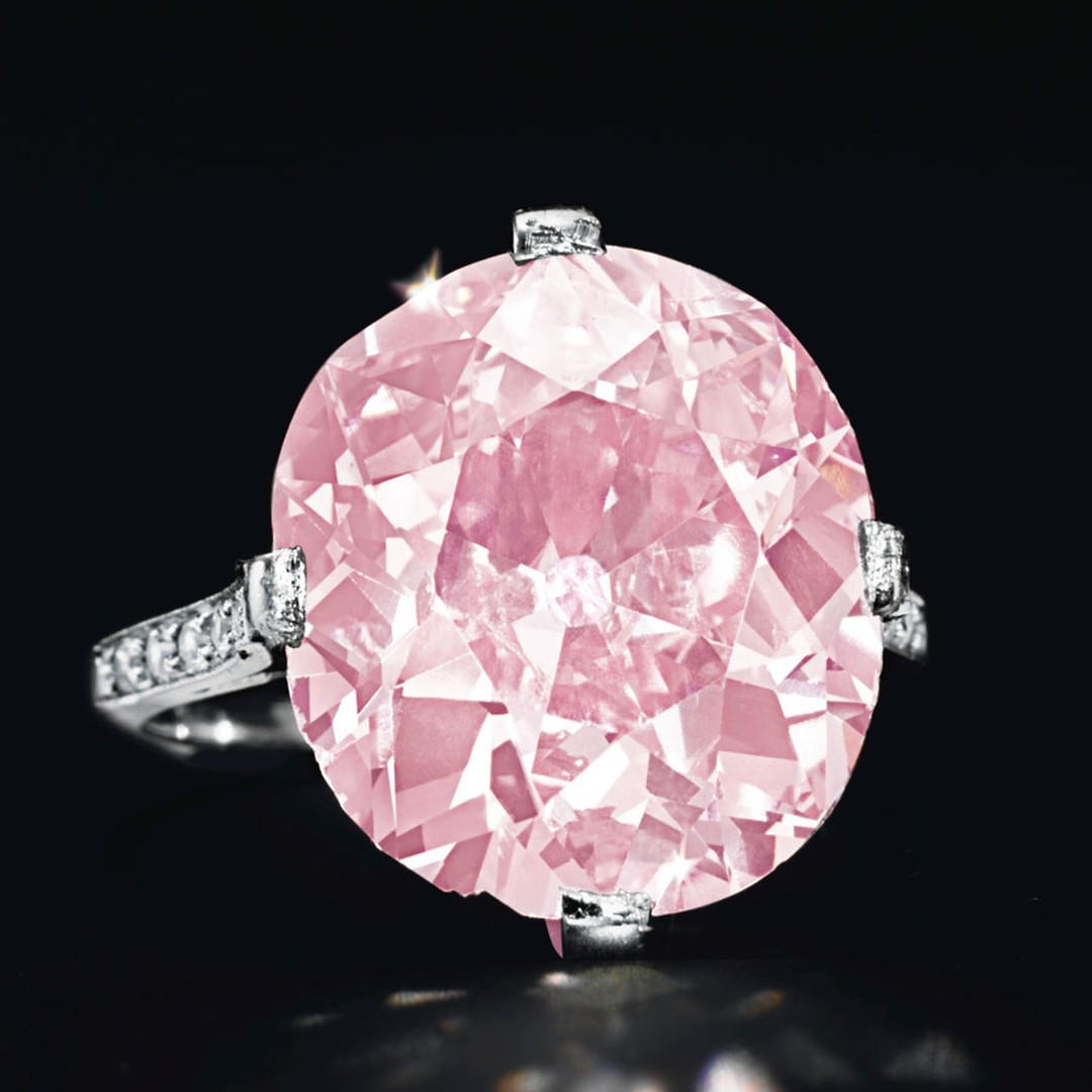 Christies lot 304 FROM THE ESTATE OF HUGUETTE M. CLARK A BELLE ÉPOQUE EXCEPTIONAL COLORED DIAMOND RING, BY DREICER & CO.