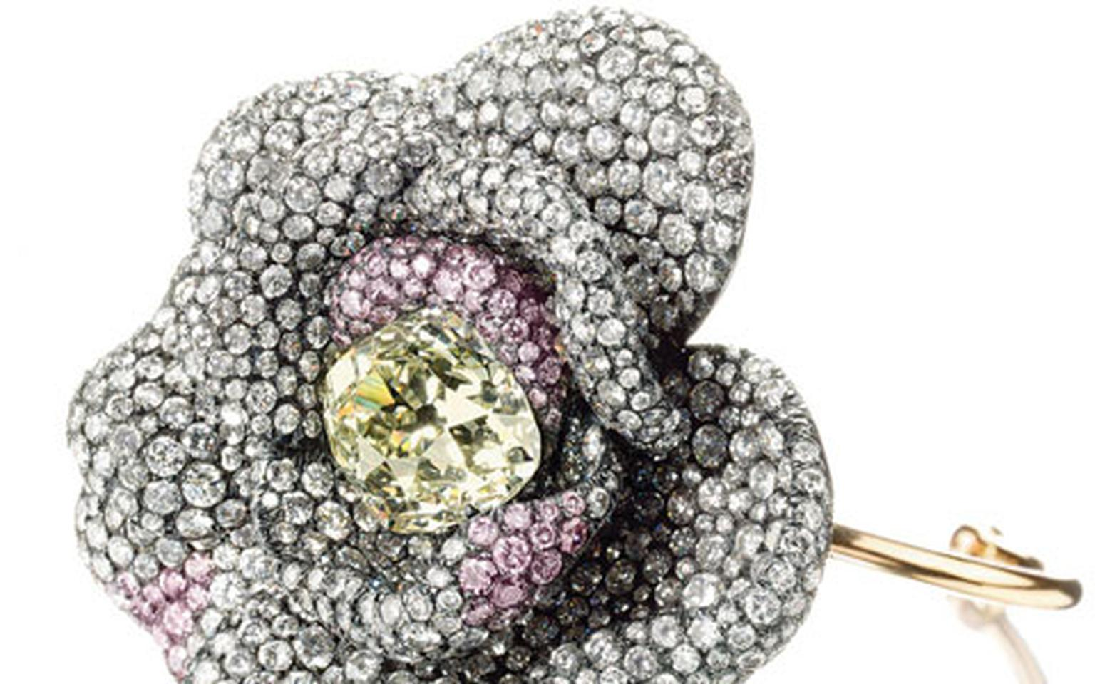 christies_lily_safra._a-diamond-and-pink-diamond-camellia-flower-bracelet HP