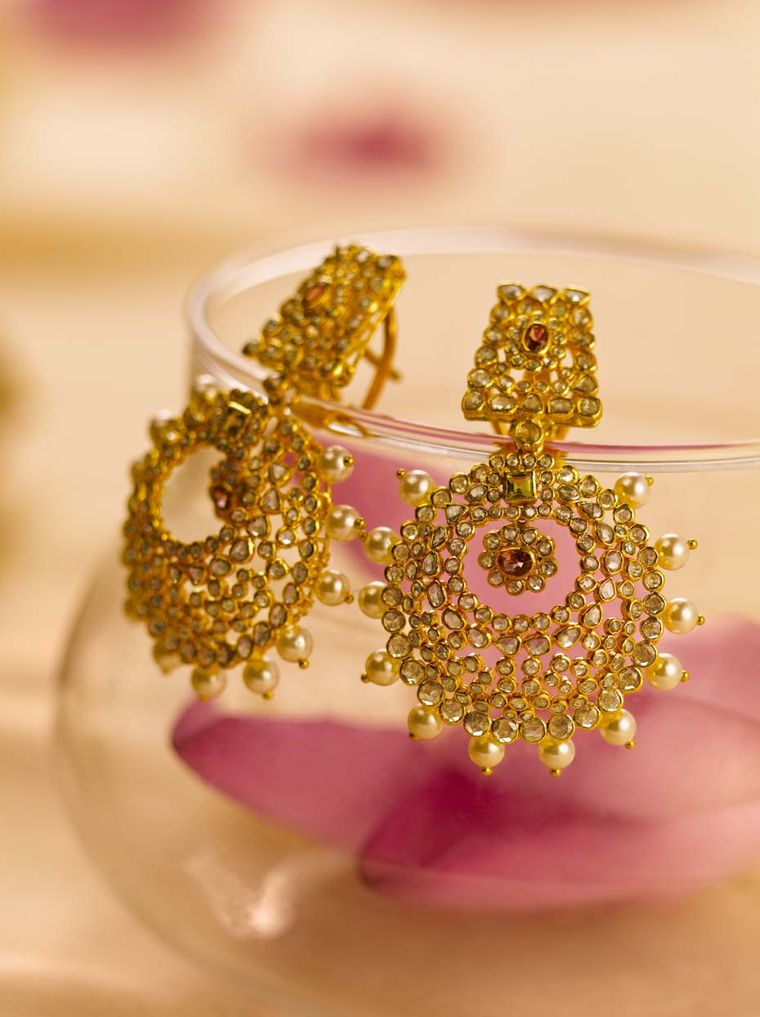 Tanishq The Indian Wedding Jeweller Unveils The New