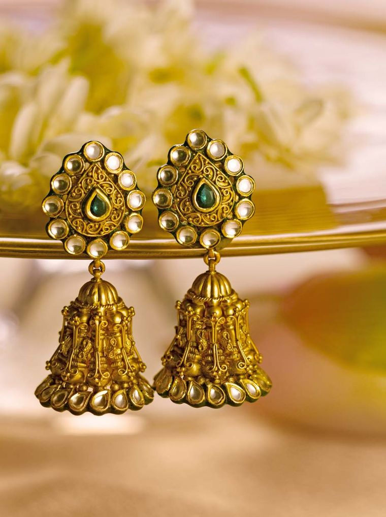 Tanishq the Indian wedding jeweller unveils the new ...