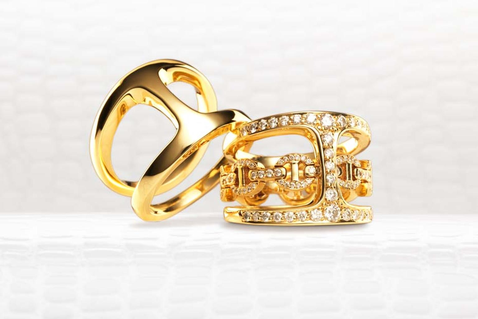 Hoorsenbuhs Dame Phantom Clique ring in yellow gold alongside the Gold Phantom Clique ring with diamonds.