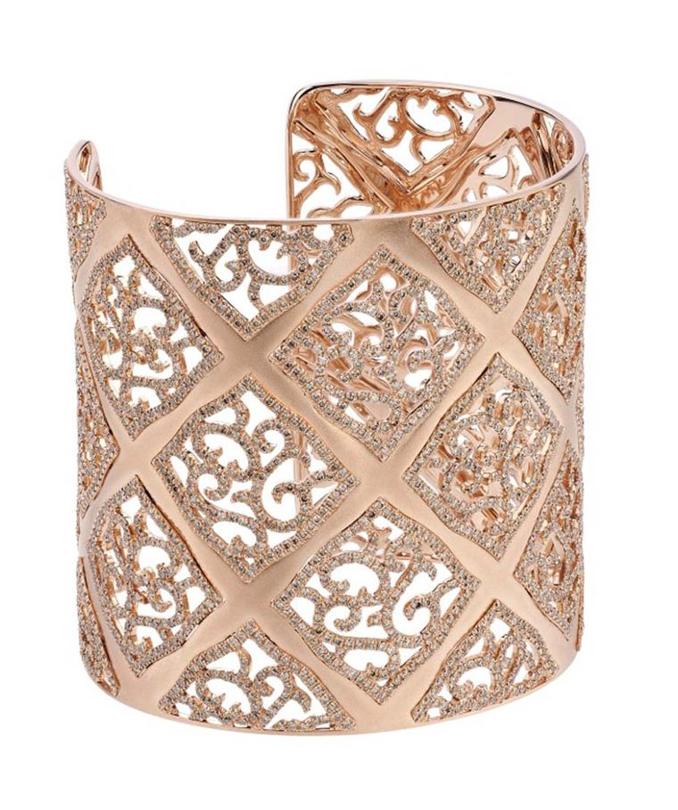 Eternamé Cuff in pink gold and diamonds.