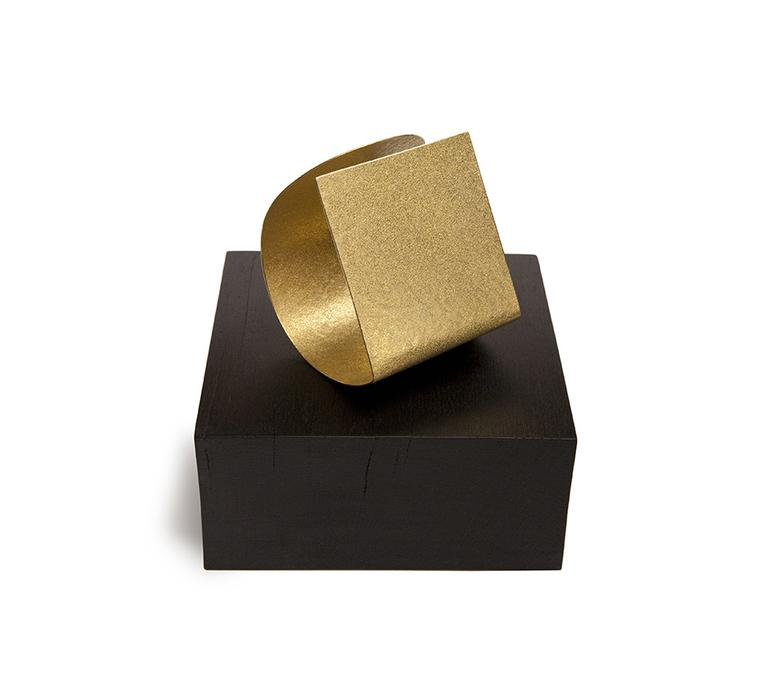 Ute Decker 'Squaring the Circle' minimalist arm piece in Fairtrade gold