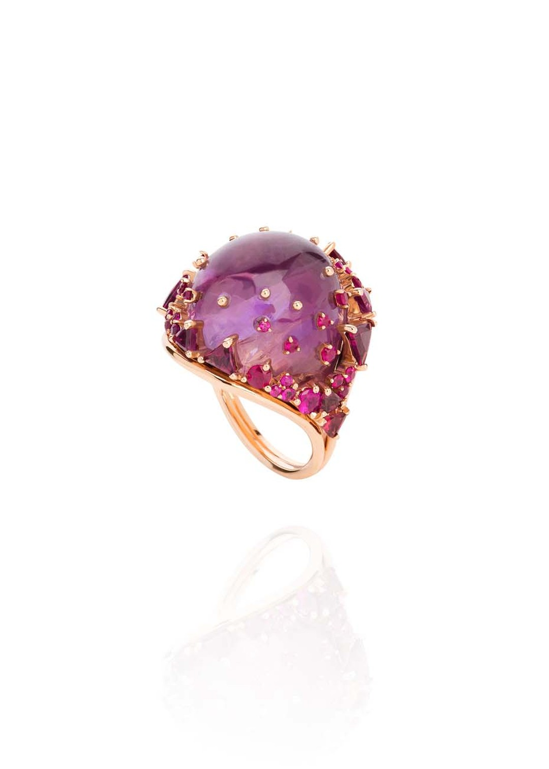 Fernando Jorge Fusion Rounded Ring in rose gold with rubies, rhodolites and amethyst.