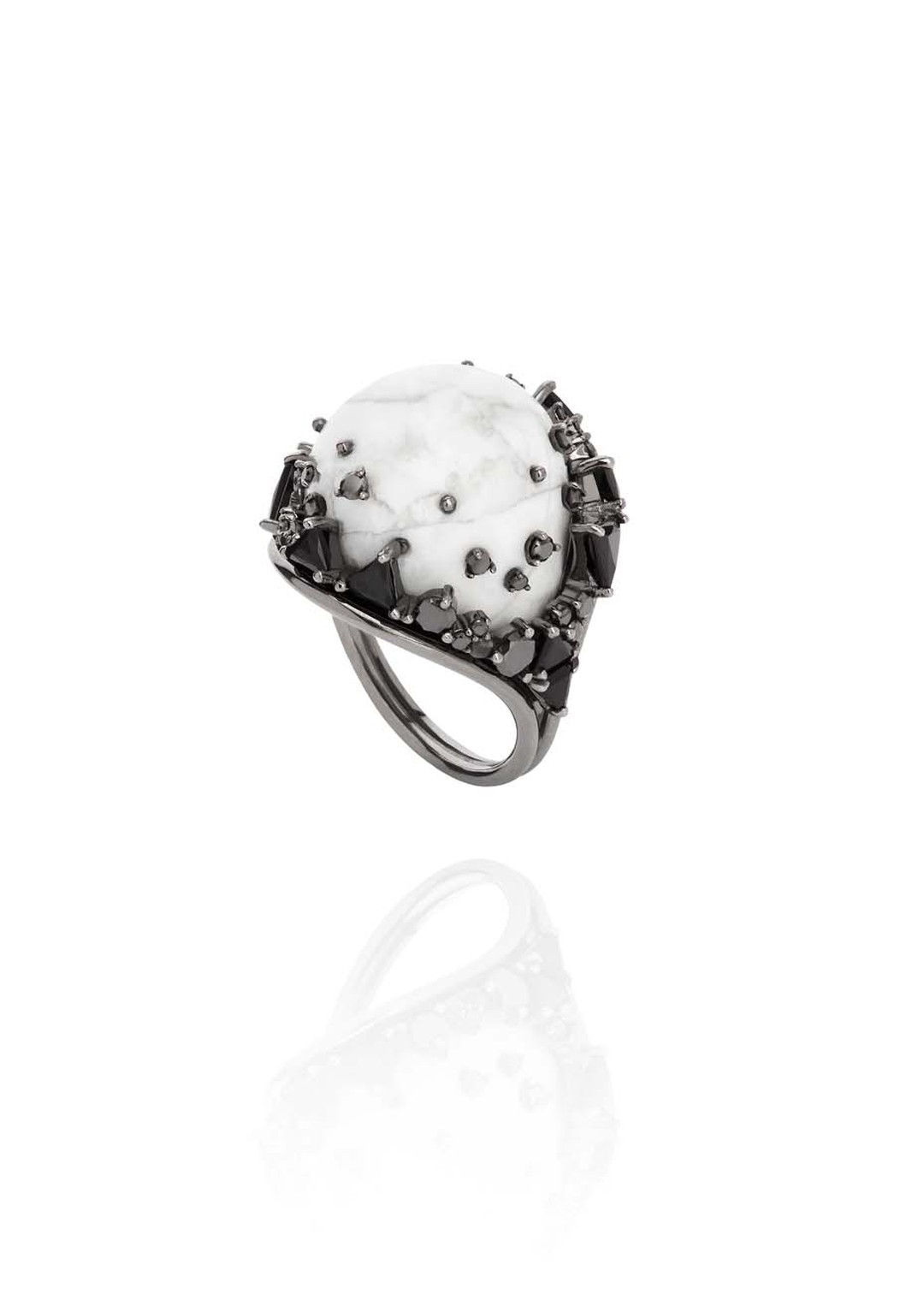 Fernando Jorge Fusion Rounded Ring in black rhodium plated gold with black diamonds, black jade and howlite.